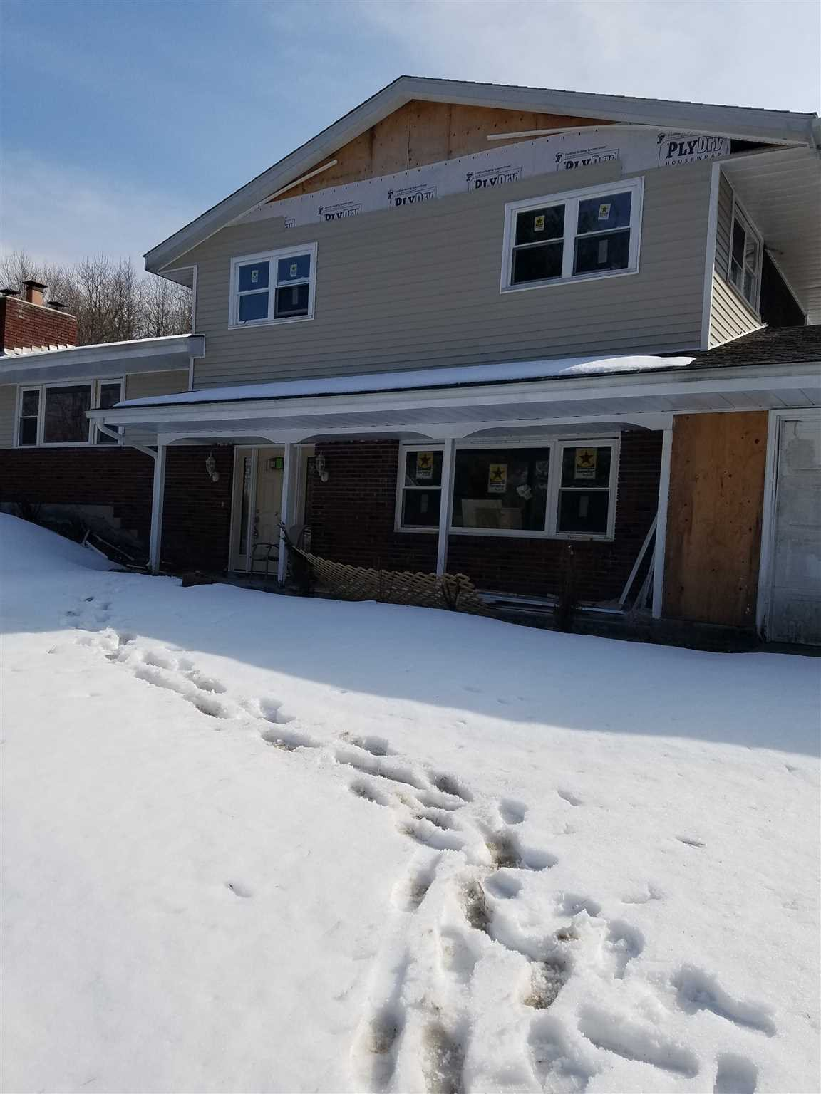 Single Family Home for Sale at 284 CRUM ELBOW 284 CRUM ELBOW Hyde Park, New York 12538 United States
