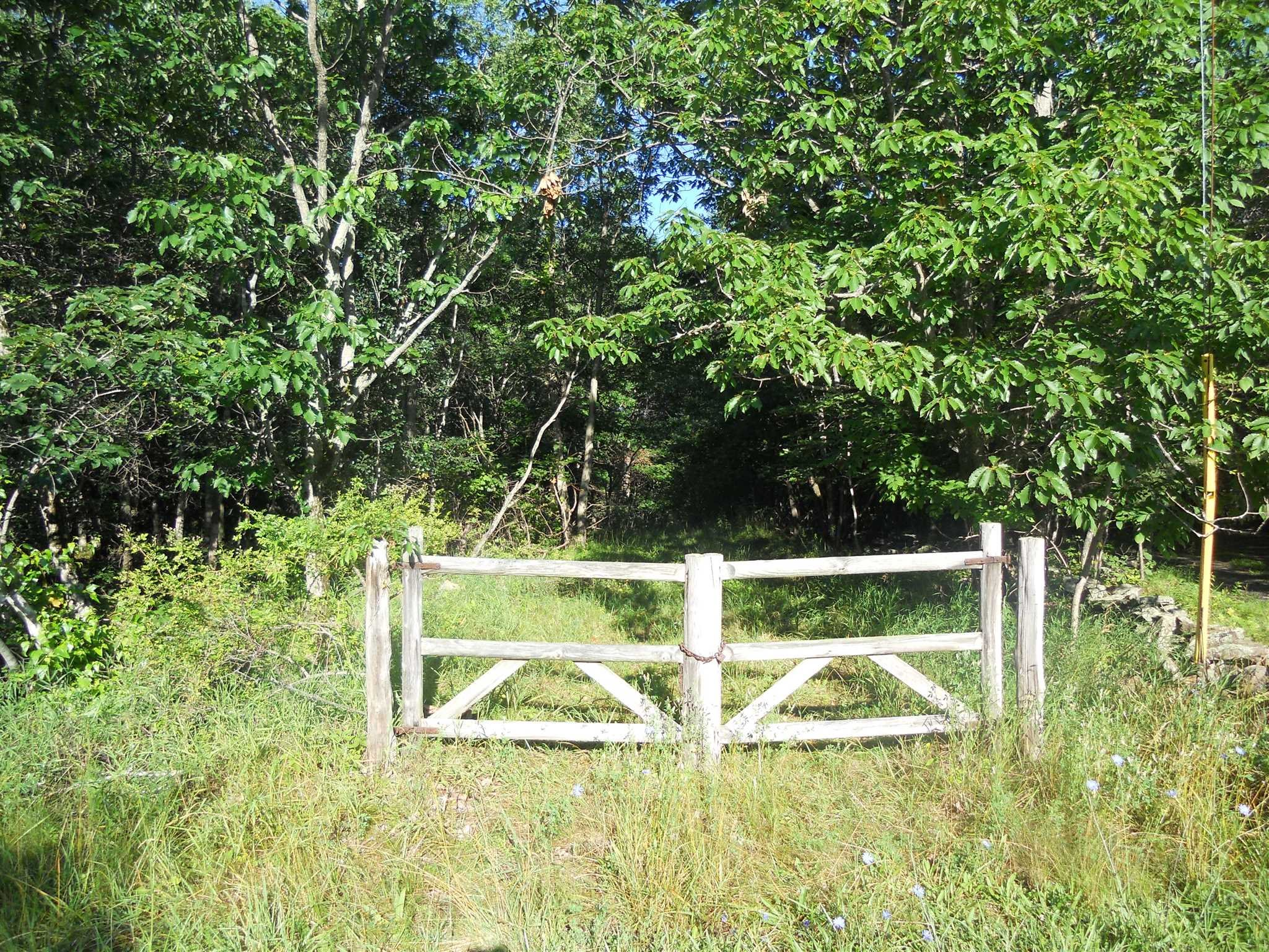 Land for Sale at 1013 OLD QUAKER HILL ROAD 1013 OLD QUAKER HILL ROAD Pawling, New York 12564 United States