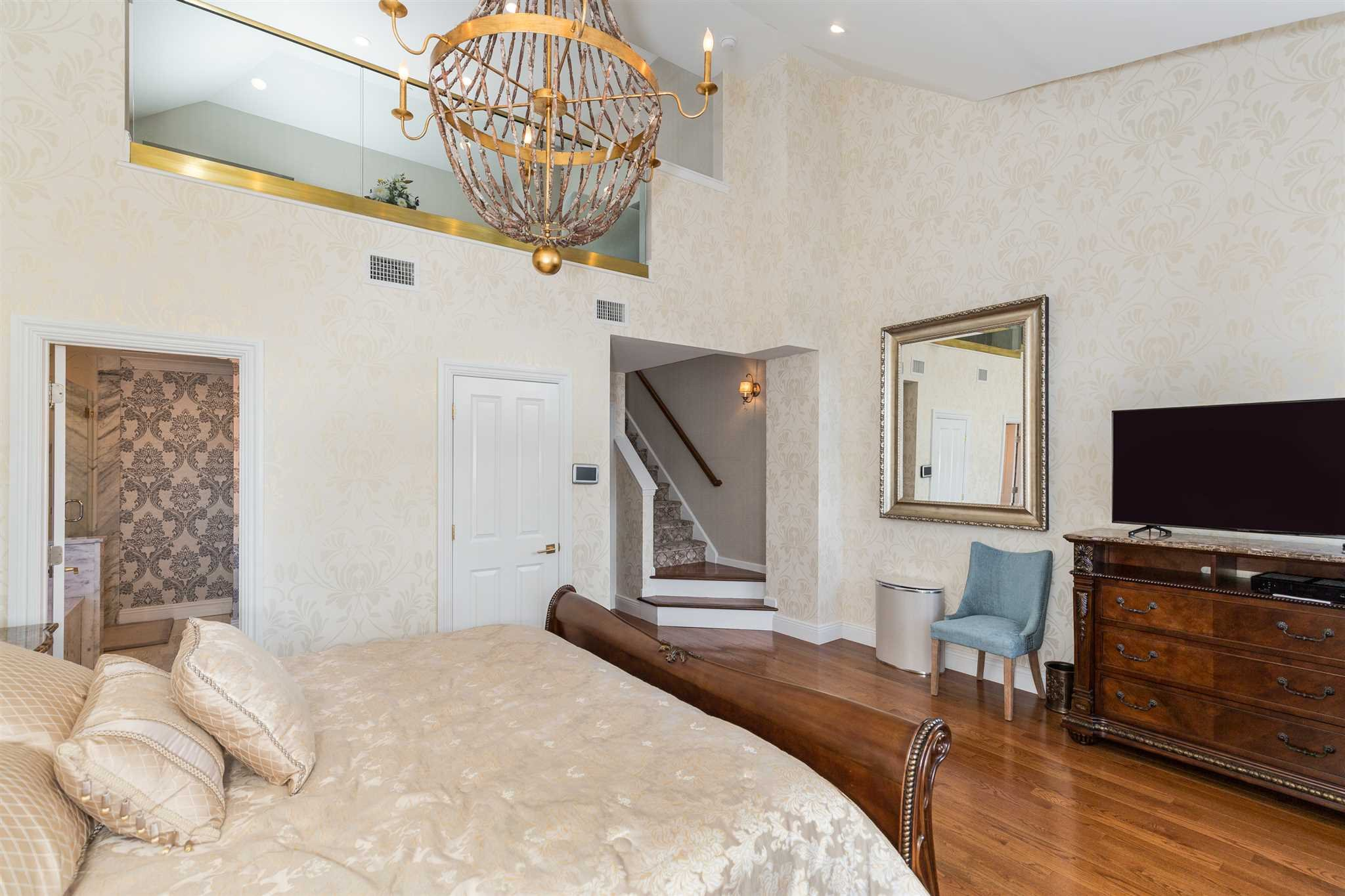 Additional photo for property listing at 122 HUDSON POINTE Drive 122 HUDSON POINTE Drive Poughkeepsie, New York 12601 United States