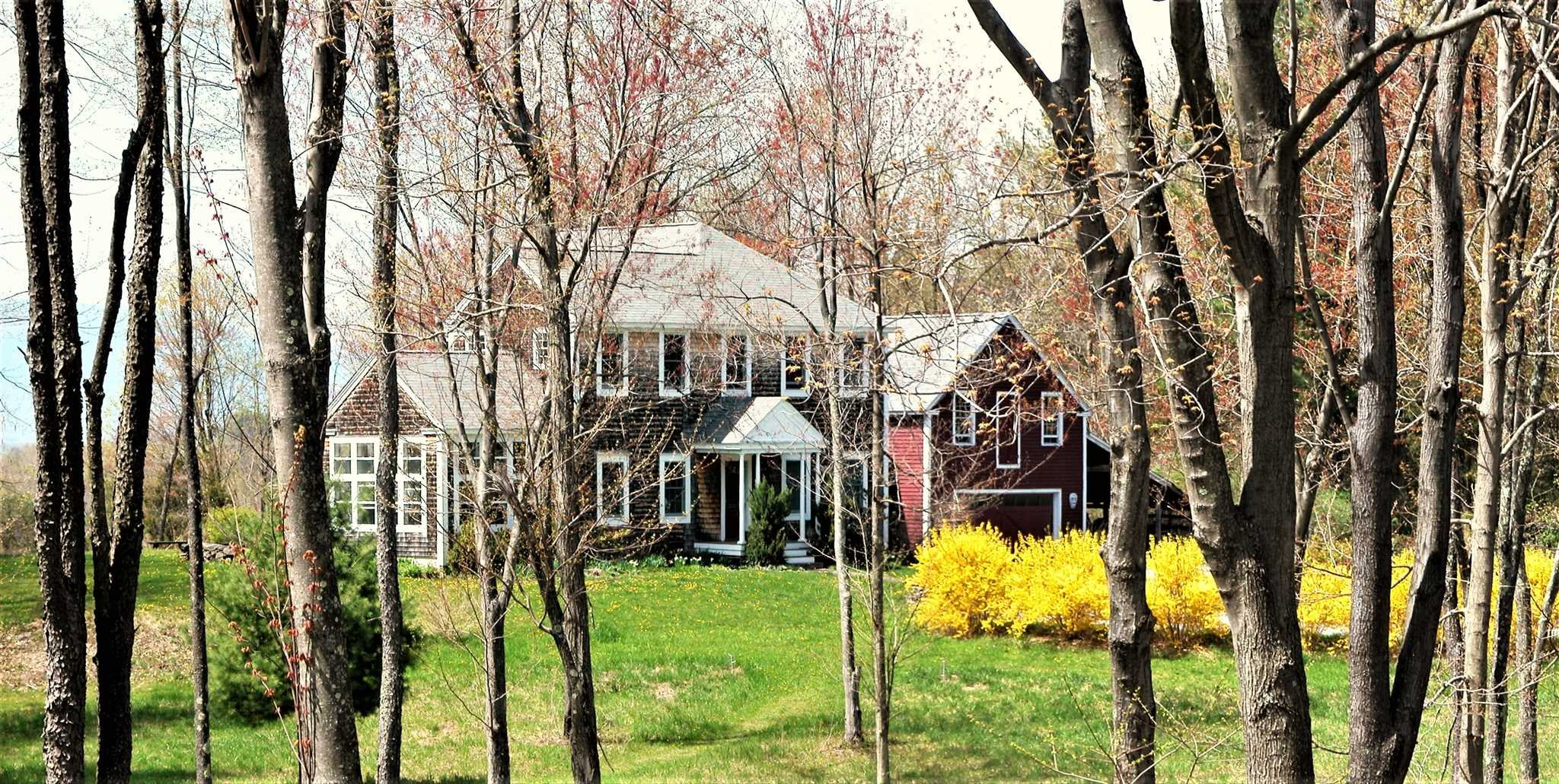 48 WILLIAMS RD, Red Hook, NY 12571
