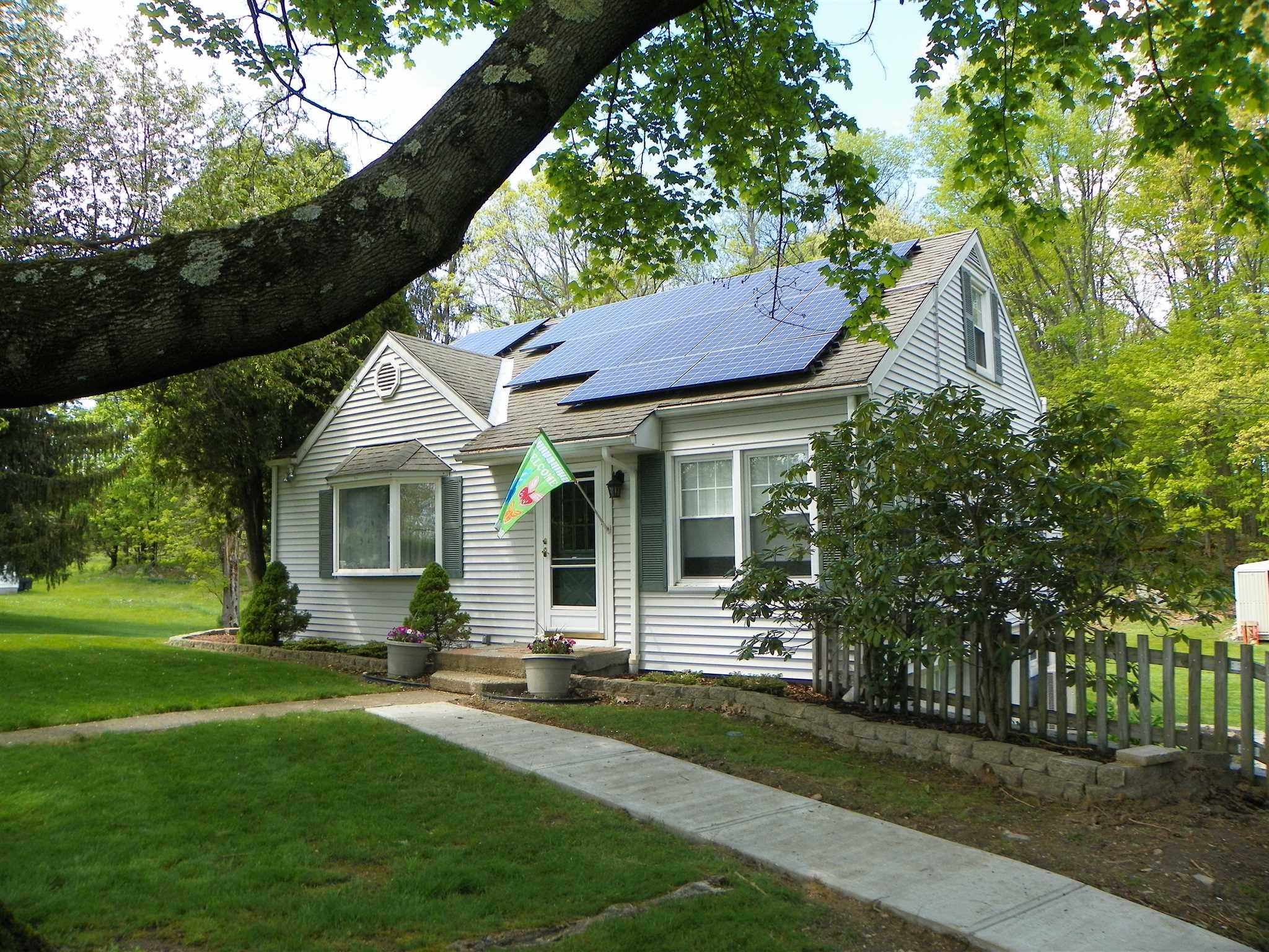 Single Family Home for Sale at 67 DORSEY Lane 67 DORSEY Lane Hyde Park, New York 12601 United States