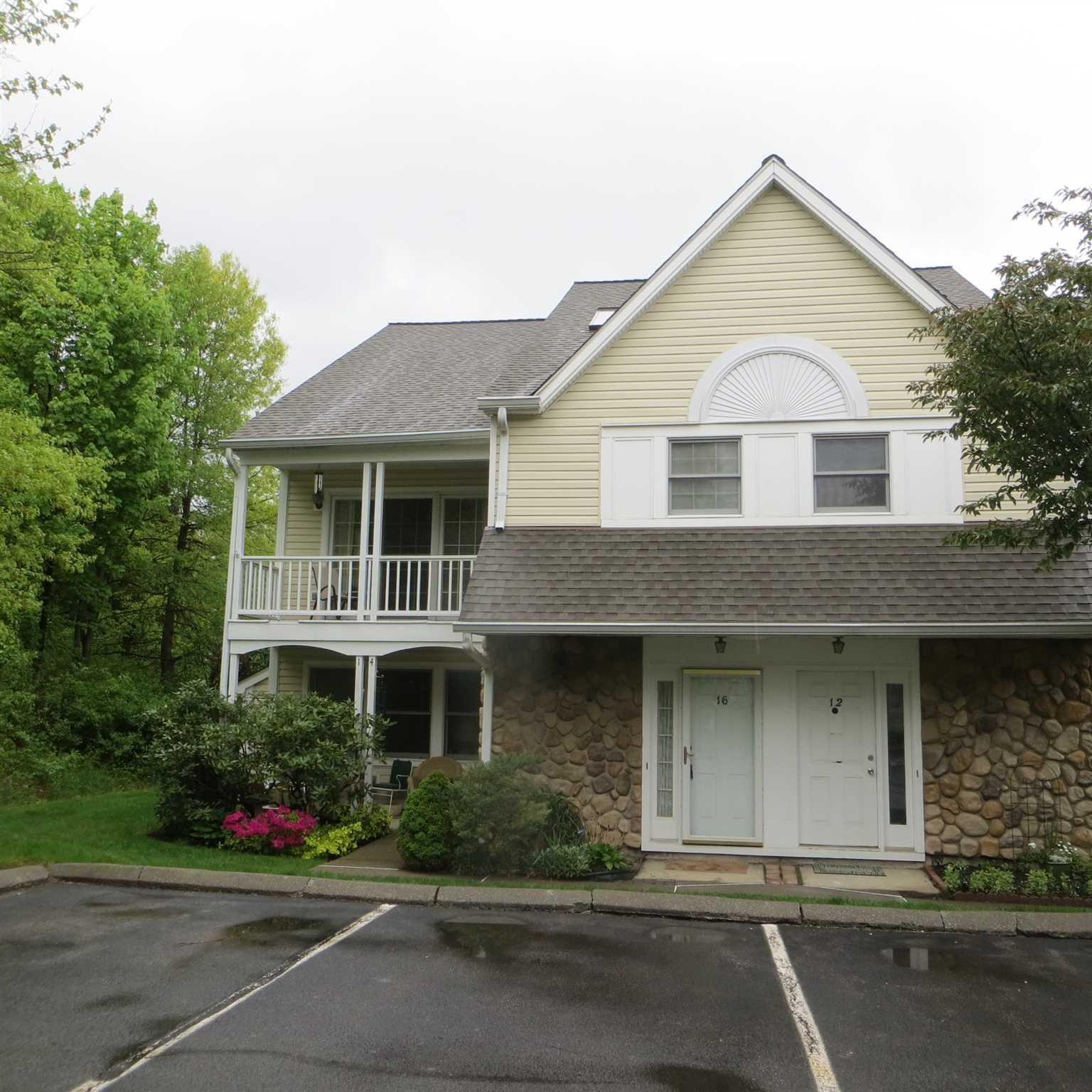 Single Family Home for Sale at 16 BURNHAM Court 16 BURNHAM Court Fishkill, New York 12524 United States