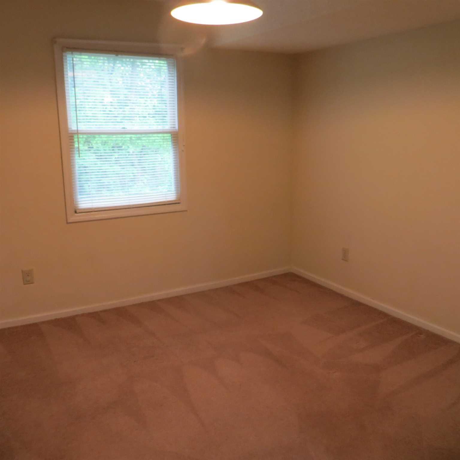 Additional photo for property listing at 16 BURNHAM Court 16 BURNHAM Court Fishkill, New York 12524 United States