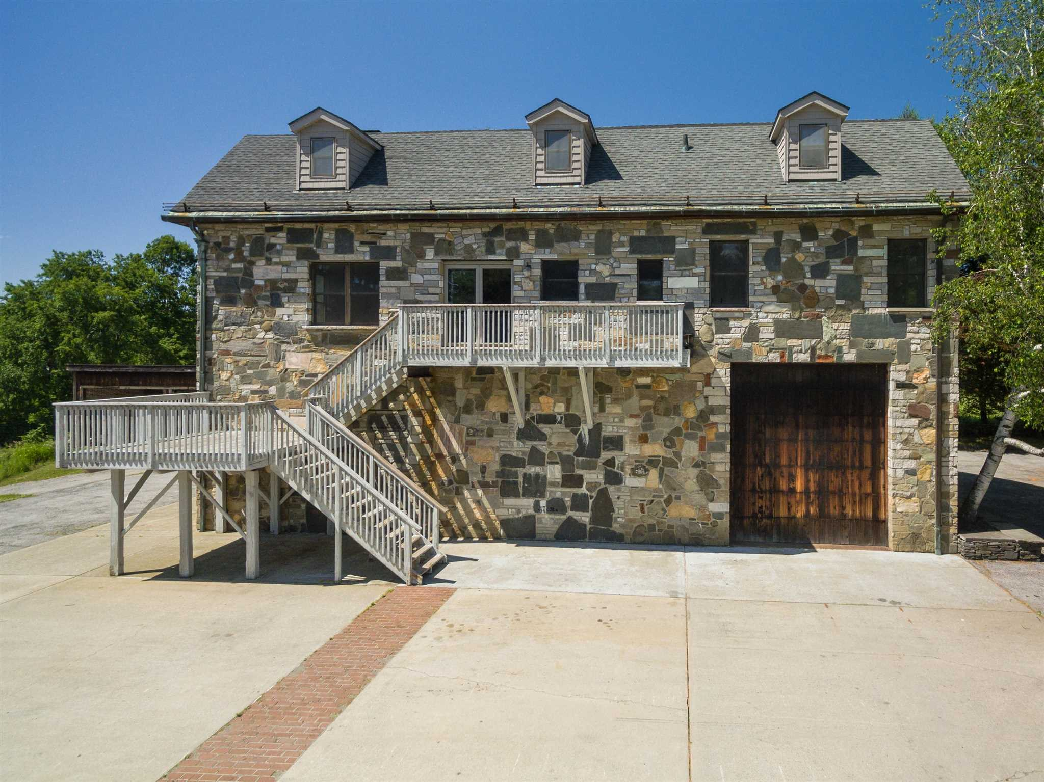 147 TRAVIS RD, Pleasant Valley, NY 12538