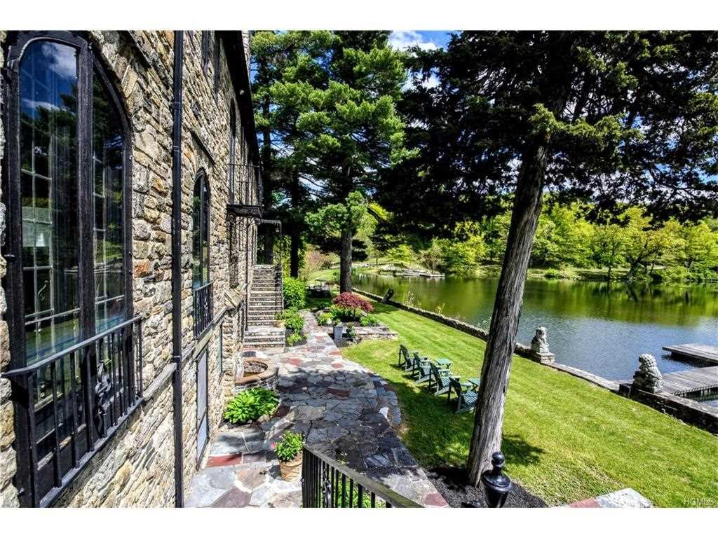 Additional photo for property listing at 4 WILLOW LAKE Drive 4 WILLOW LAKE Drive Fishkill, New York 12524 United States