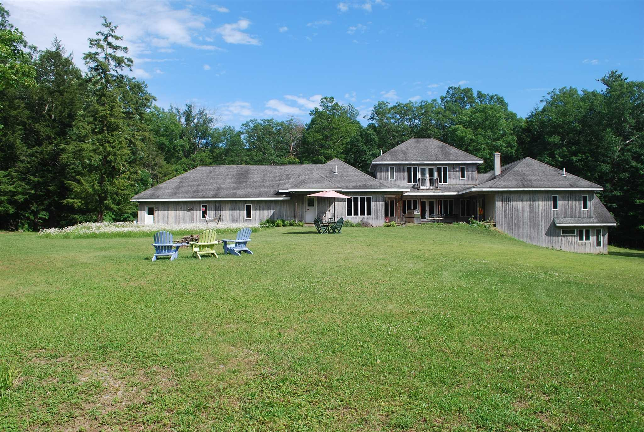 Single Family Home for Sale at 261 ZIPFELDBURG Road 261 ZIPFELDBURG Road Rhinebeck, New York 12572 United States