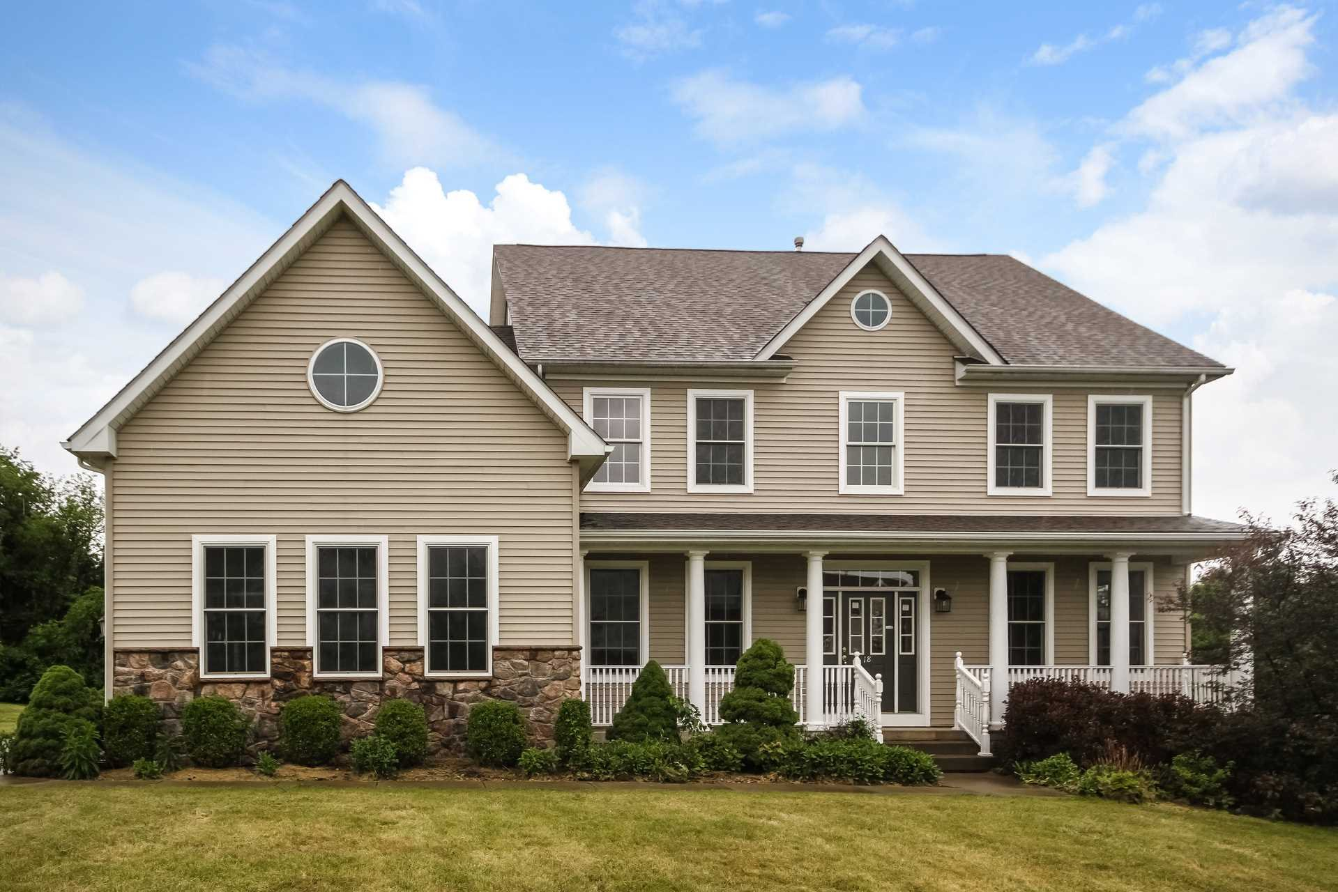 Single Family Home for Sale at 18 RIDGELINE Drive 18 RIDGELINE Drive Poughkeepsie, New York 12603 United States