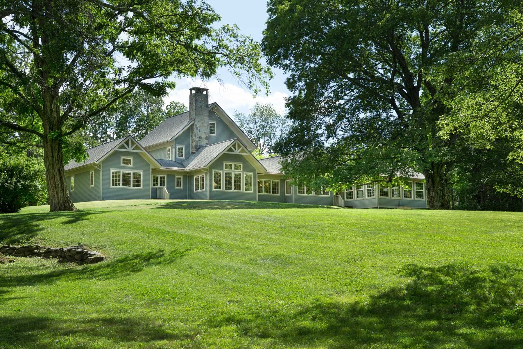 Additional photo for property listing at 352 MOUNTAIN Road 352 MOUNTAIN Road Gardiner, New York 12589 United States