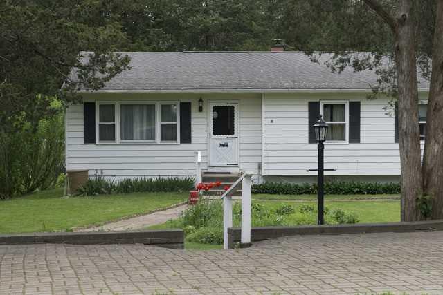 25 CEDAR LN, Dover, NY 12594