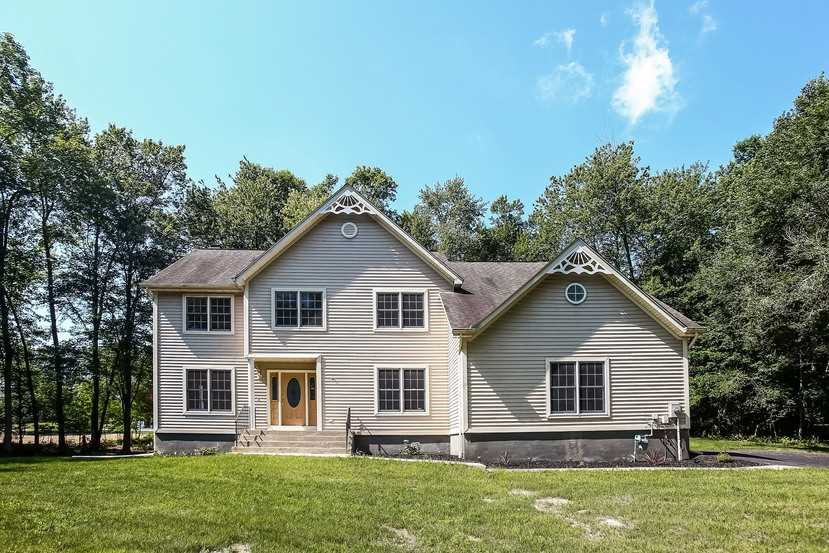 Single Family Home for Sale at 1 STONEWALL Drive 1 STONEWALL Drive Wappinger, New York 12590 United States