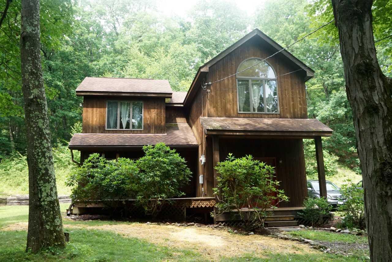 Single Family Home for Sale at 2 TEN NEIGHBORS ROAD 2 TEN NEIGHBORS ROAD Gallatin, New York 12571 United States