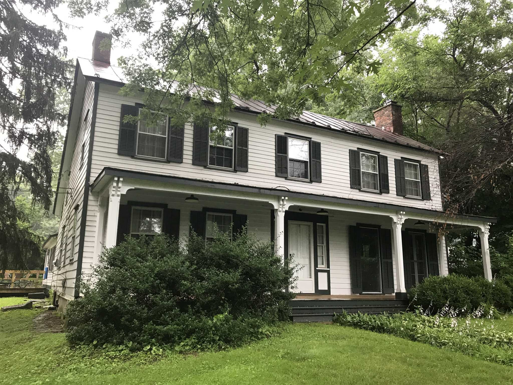 Single Family Home for Sale at 102 OLD POST RD NORTH 102 OLD POST RD NORTH Red Hook, New York 12571 United States
