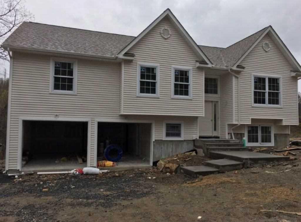 Single Family Home for Sale at 16 STONE OAKS (LOT 15) 16 STONE OAKS (LOT 15) Plattekill, New York 12528 United States