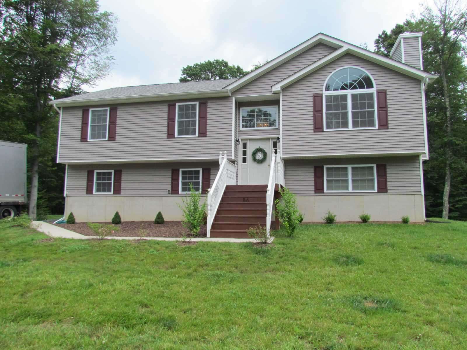 Single Family Home for Sale at 86 GLEN ROCK Circle 86 GLEN ROCK Circle Highland, New York 12528 United States