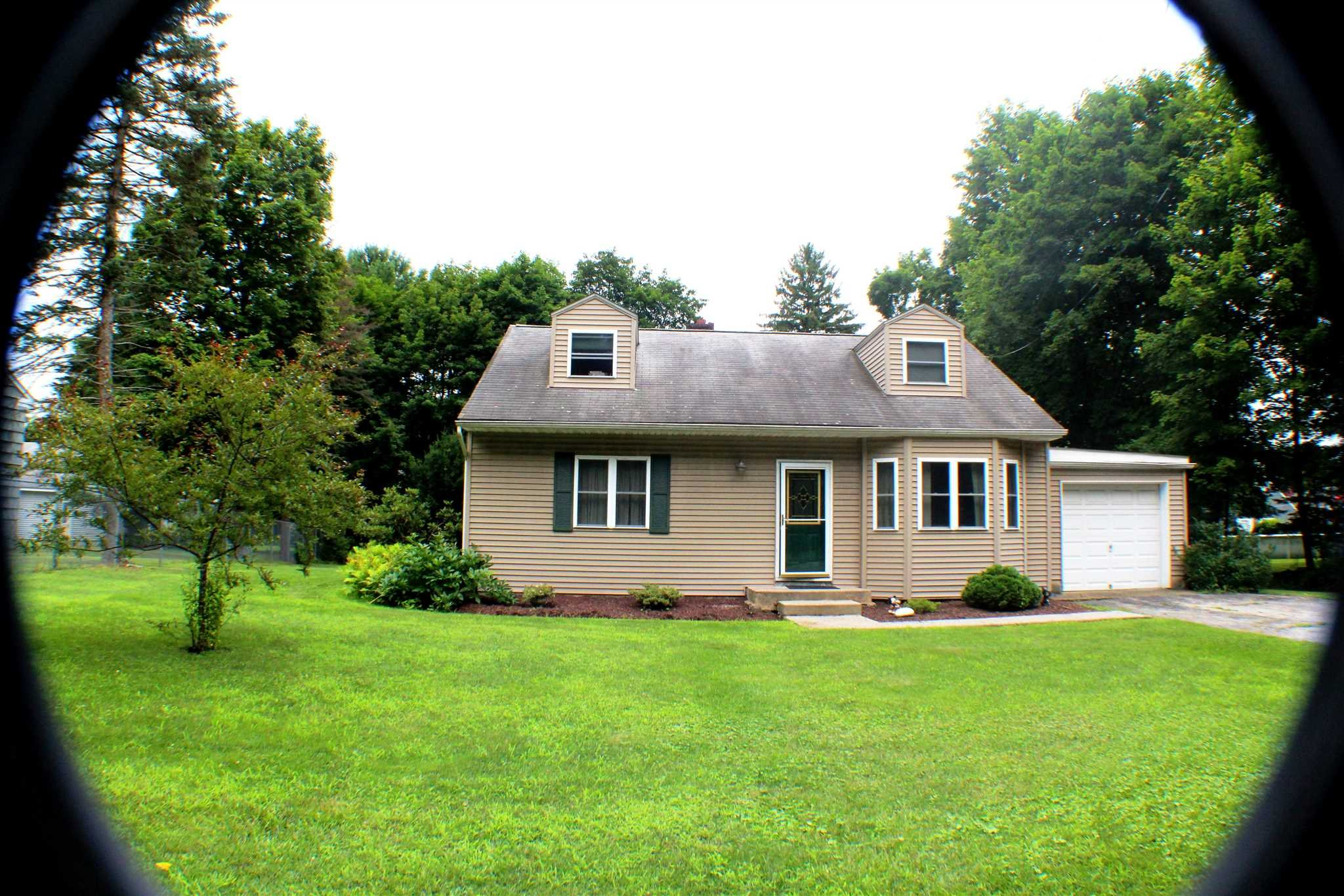Single Family Home for Sale at 1336 ROUTE 9G 1336 ROUTE 9G Hyde Park, New York 12538 United States
