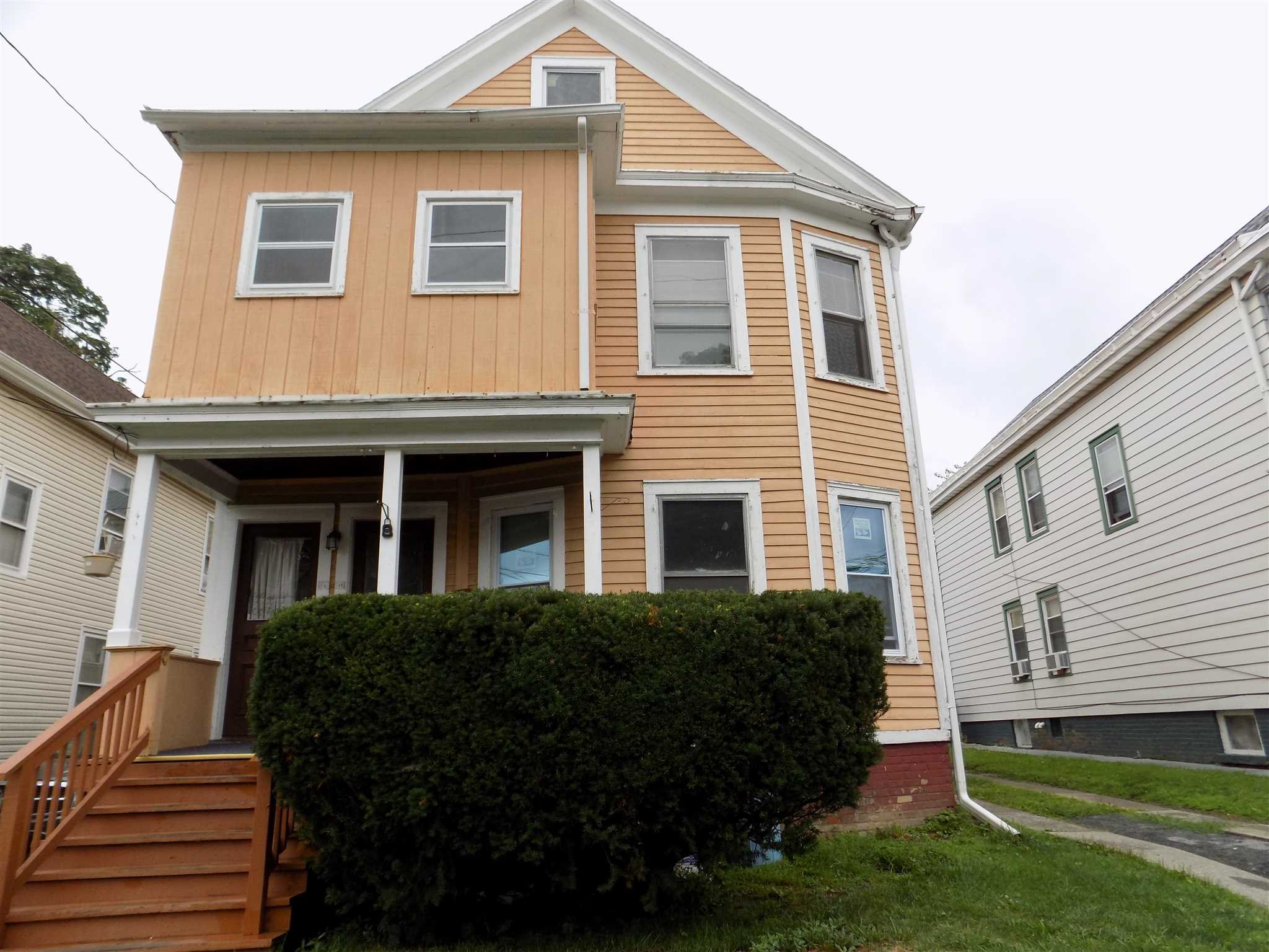 Single Family Home for Sale at 10 MAY Street 10 MAY Street Poughkeepsie, New York 12603 United States