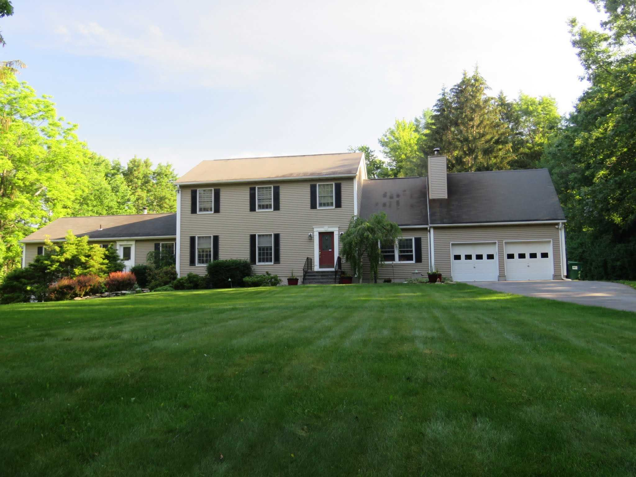 Single Family Home for Sale at 293 DRAKE ROAD 293 DRAKE ROAD Pleasant Valley, New York 12569 United States