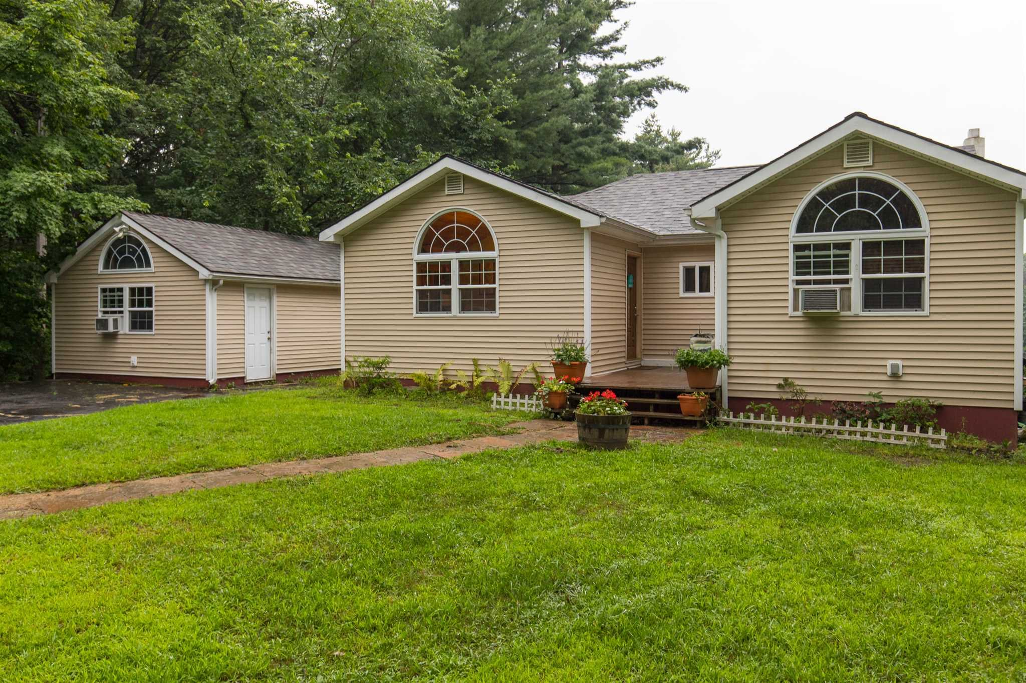 Single Family Home for Sale at 112 SNYDERVILLE Road 112 SNYDERVILLE Road Elizaville, New York 12523 United States