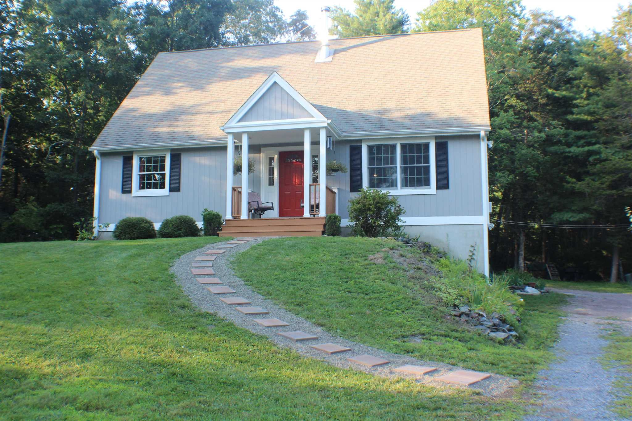 26 BARKIT KENNEL RD, Pleasant Valley, NY 12569