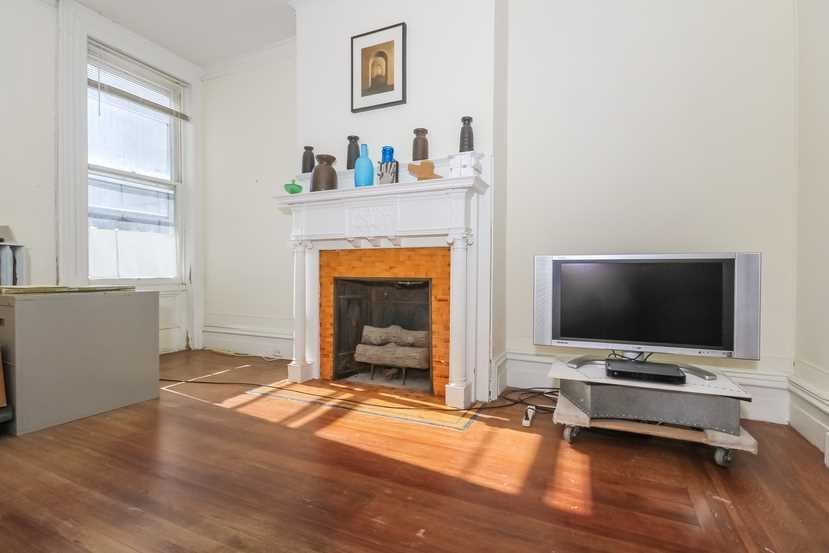 Additional photo for property listing at 221 WARREN 221 WARREN Hudson, New York 12534 United States