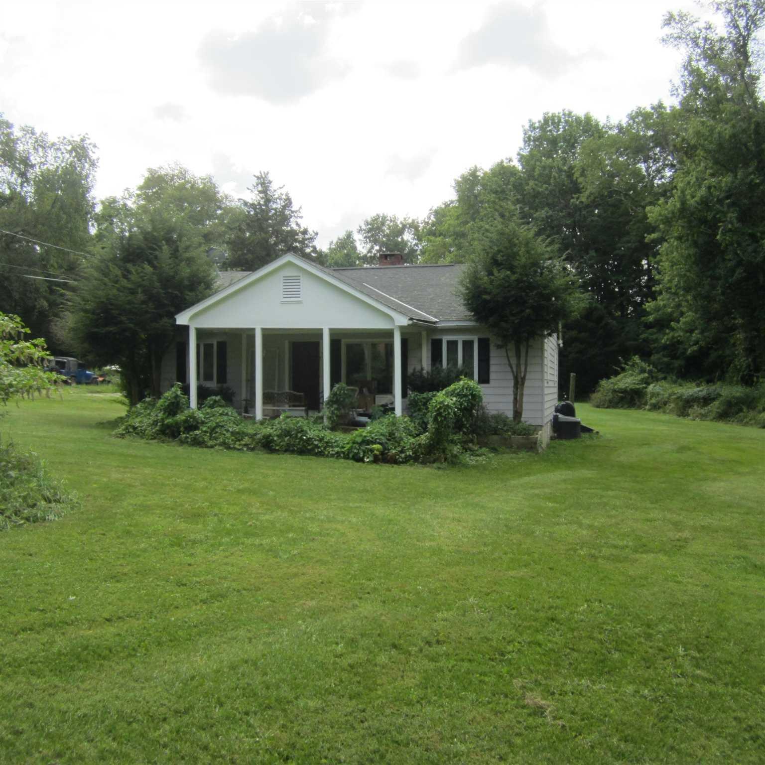 Single Family Home for Sale at 39 LAKE ELLIS Road 39 LAKE ELLIS Road Dover Plains, New York 12594 United States