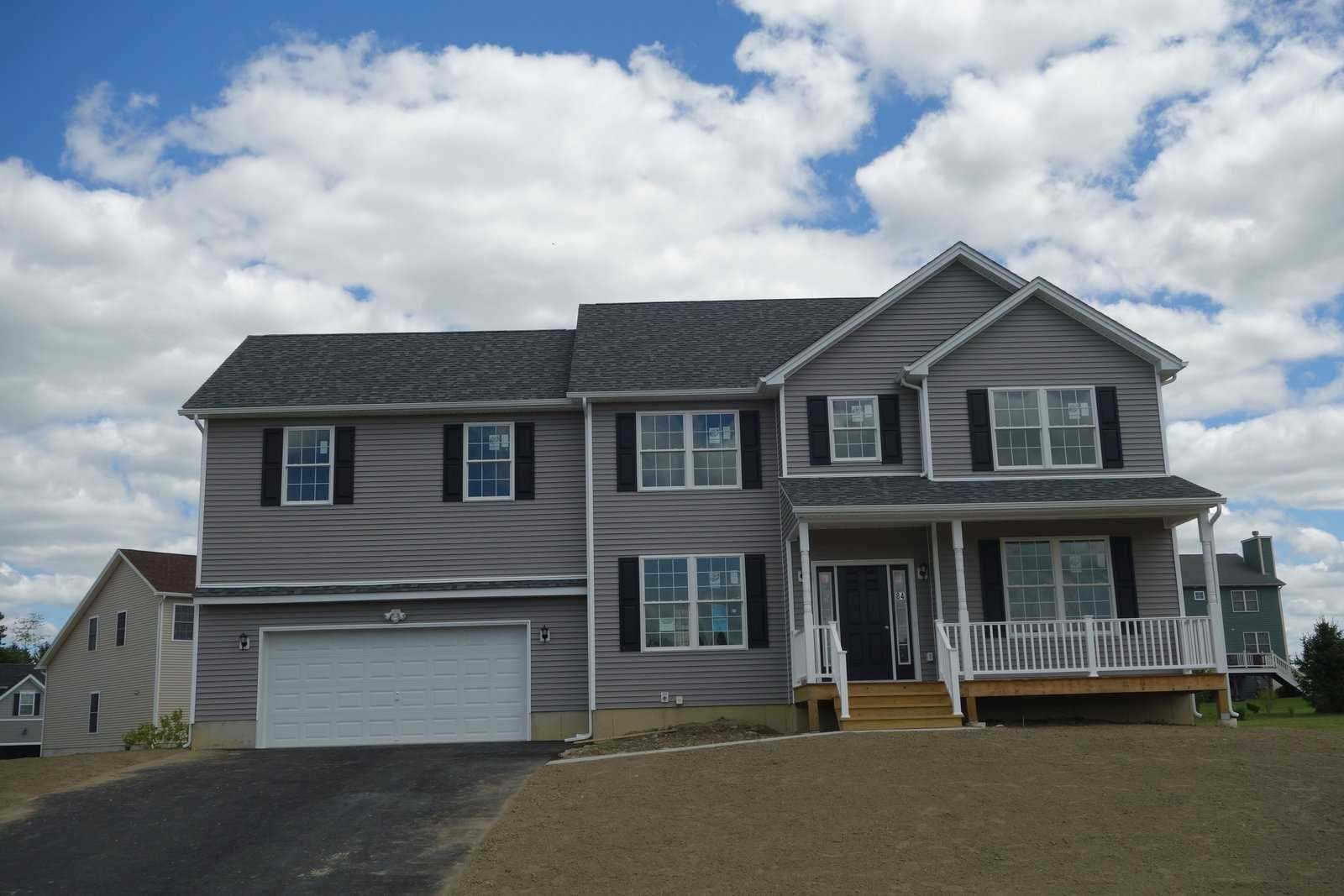 Single Family Home for Sale at 140 STRATFORD Drive 140 STRATFORD Drive Poughkeepsie, New York 12603 United States
