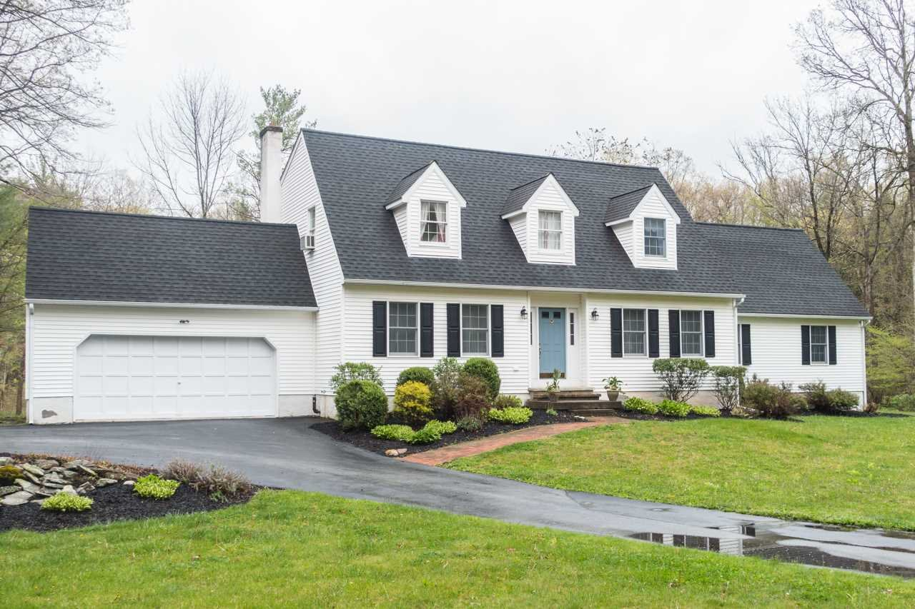 Single Family Home for Rent at 12 HOLLOW RIDGE Road 12 HOLLOW RIDGE Road Hyde Park, New York 12580 United States