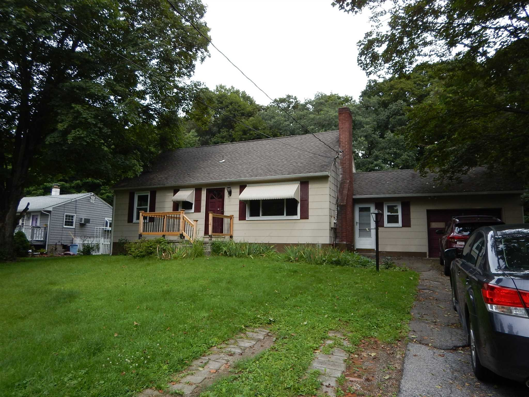 Single Family Home for Sale at 8 VAN WERT Place 8 VAN WERT Place Hyde Park, New York 12538 United States