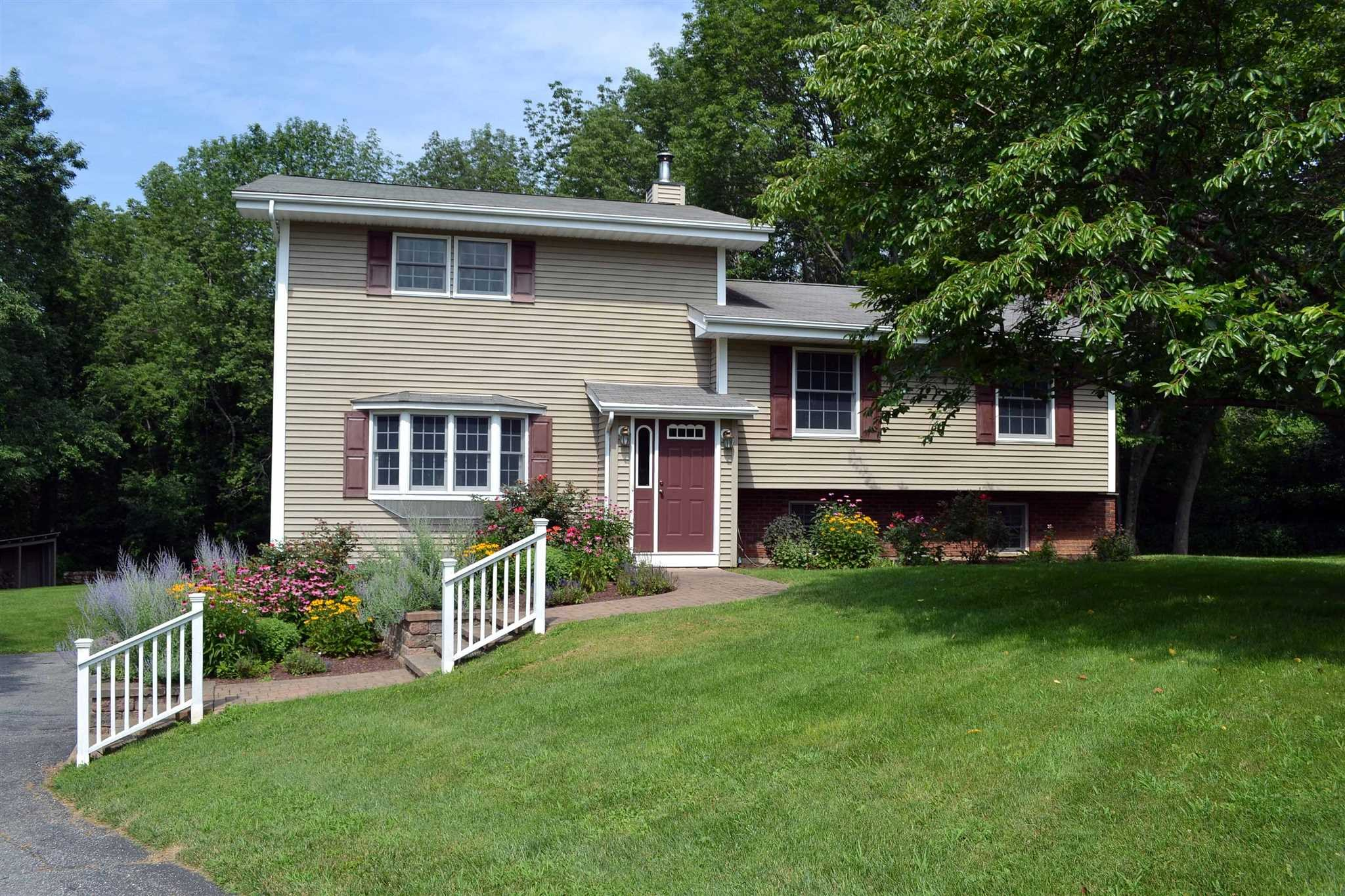 Single Family Home for Sale at 47 HI-VIEW Drive 47 HI-VIEW Drive Dover Plains, New York 12594 United States