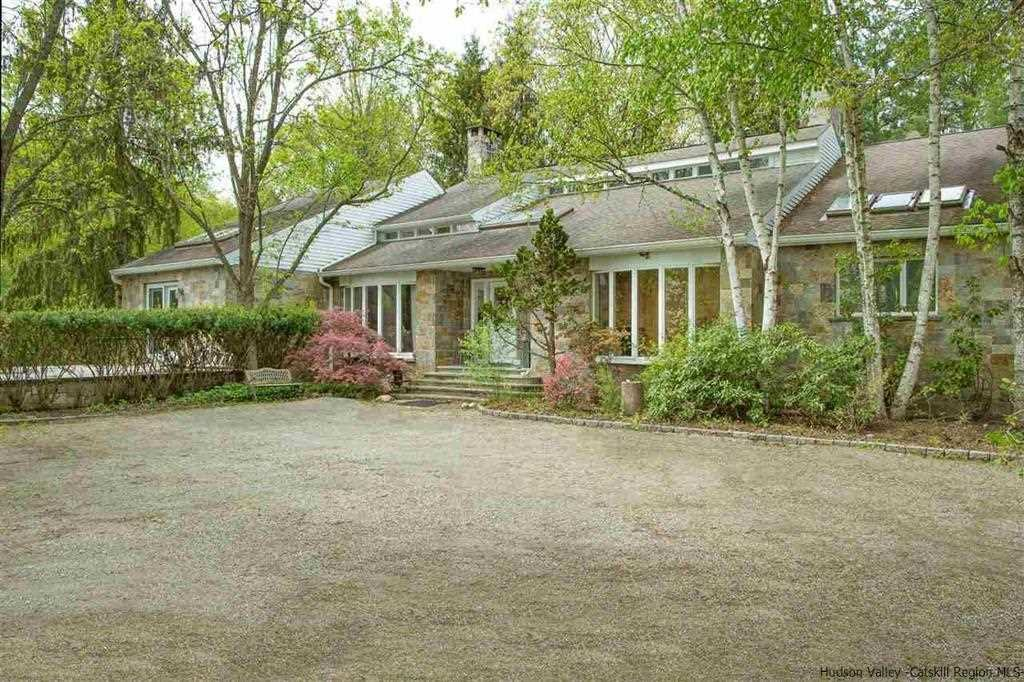 Single Family Home for Sale at 356 ROSSWAY ROAD 356 ROSSWAY ROAD Pleasant Valley, New York 12569 United States