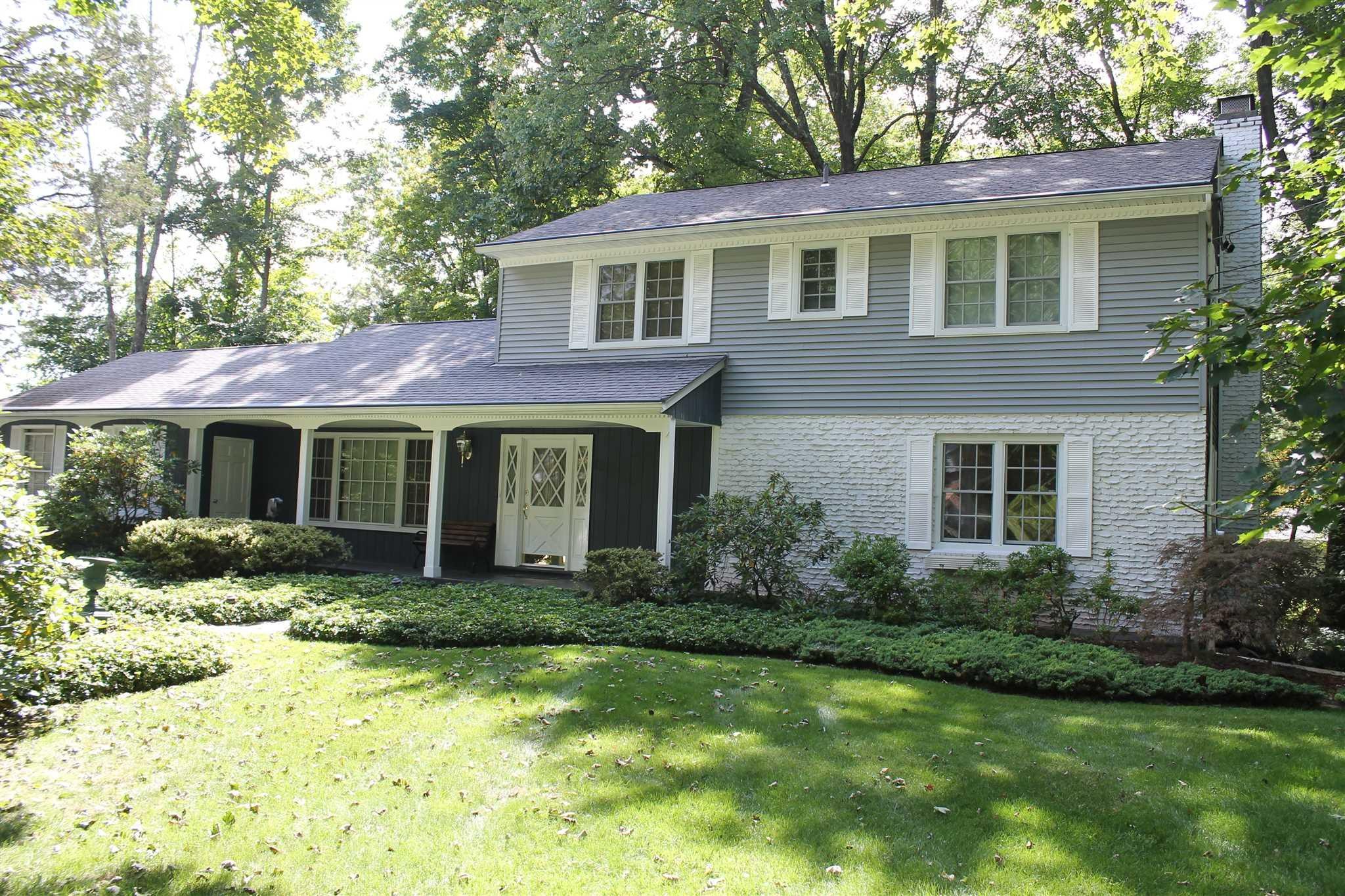 Single Family Home for Sale at 6 OAK Court 6 OAK Court Poughkeepsie, New York 12603 United States