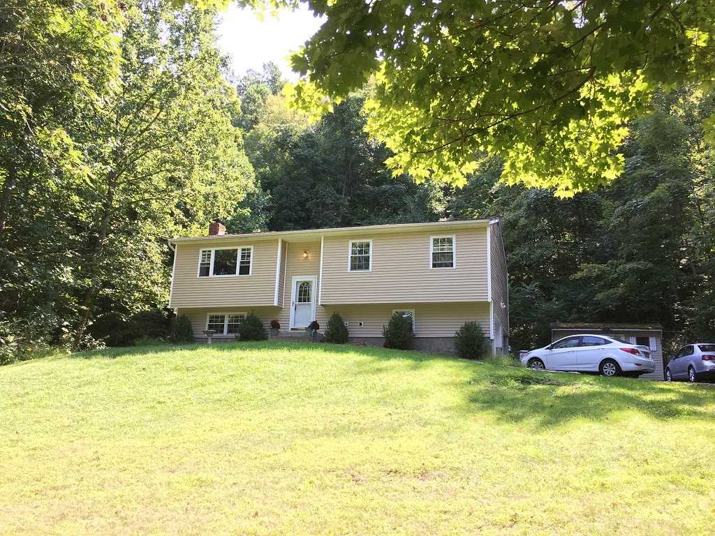 Single Family Home for Sale at 122 GREENWOOD Drive 122 GREENWOOD Drive Fishkill, New York 12508 United States