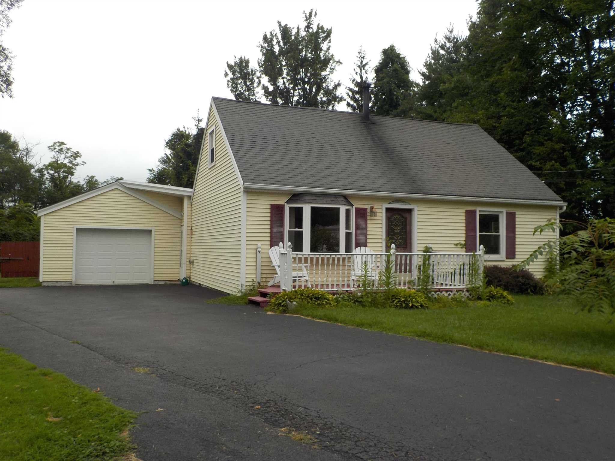 Single Family Home for Sale at 7 W. DOGWOOD DRIVE 7 W. DOGWOOD DRIVE Poughkeepsie, New York 12601 United States