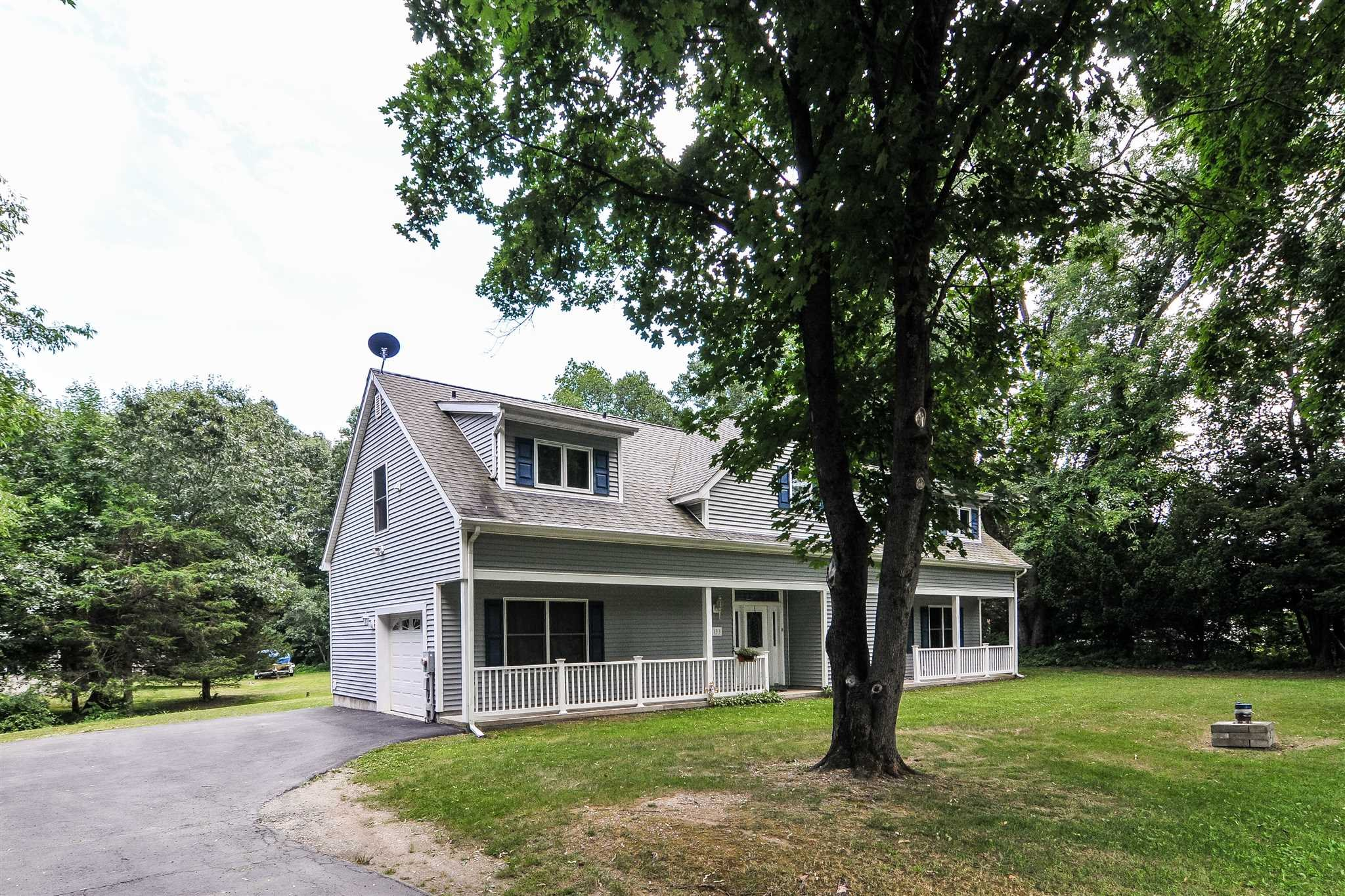 Single Family Home for Sale at 133 MARTIN Road 133 MARTIN Road East Fishkill, New York 12533 United States