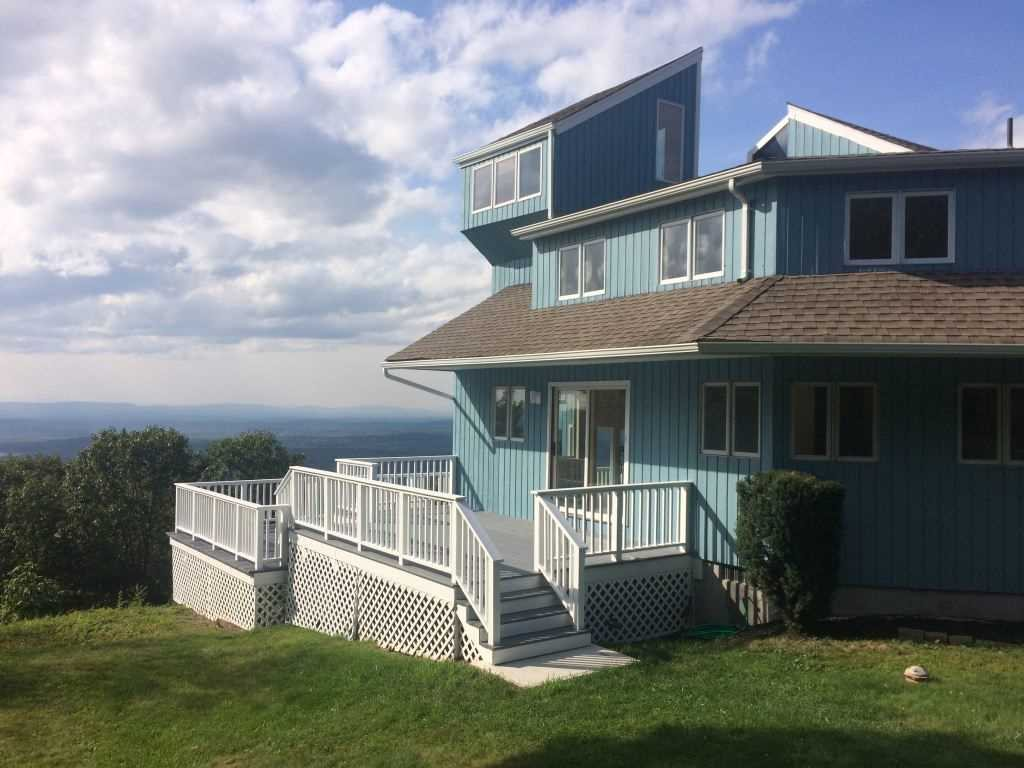 Single Family Home for Sale at 315 WOODMONT Road 315 WOODMONT Road East Fishkill, New York 12533 United States