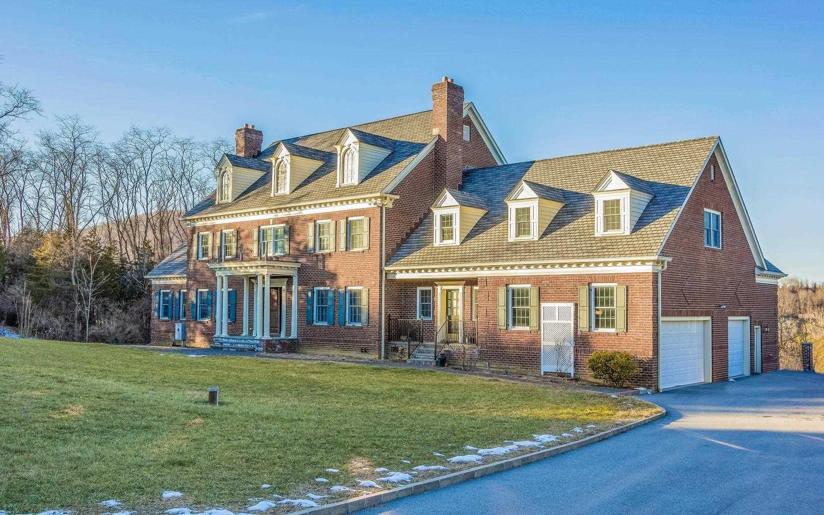 Single Family Home for Sale at 9 DI PIETRO LANE 9 DI PIETRO LANE Pawling, New York 12564 United States