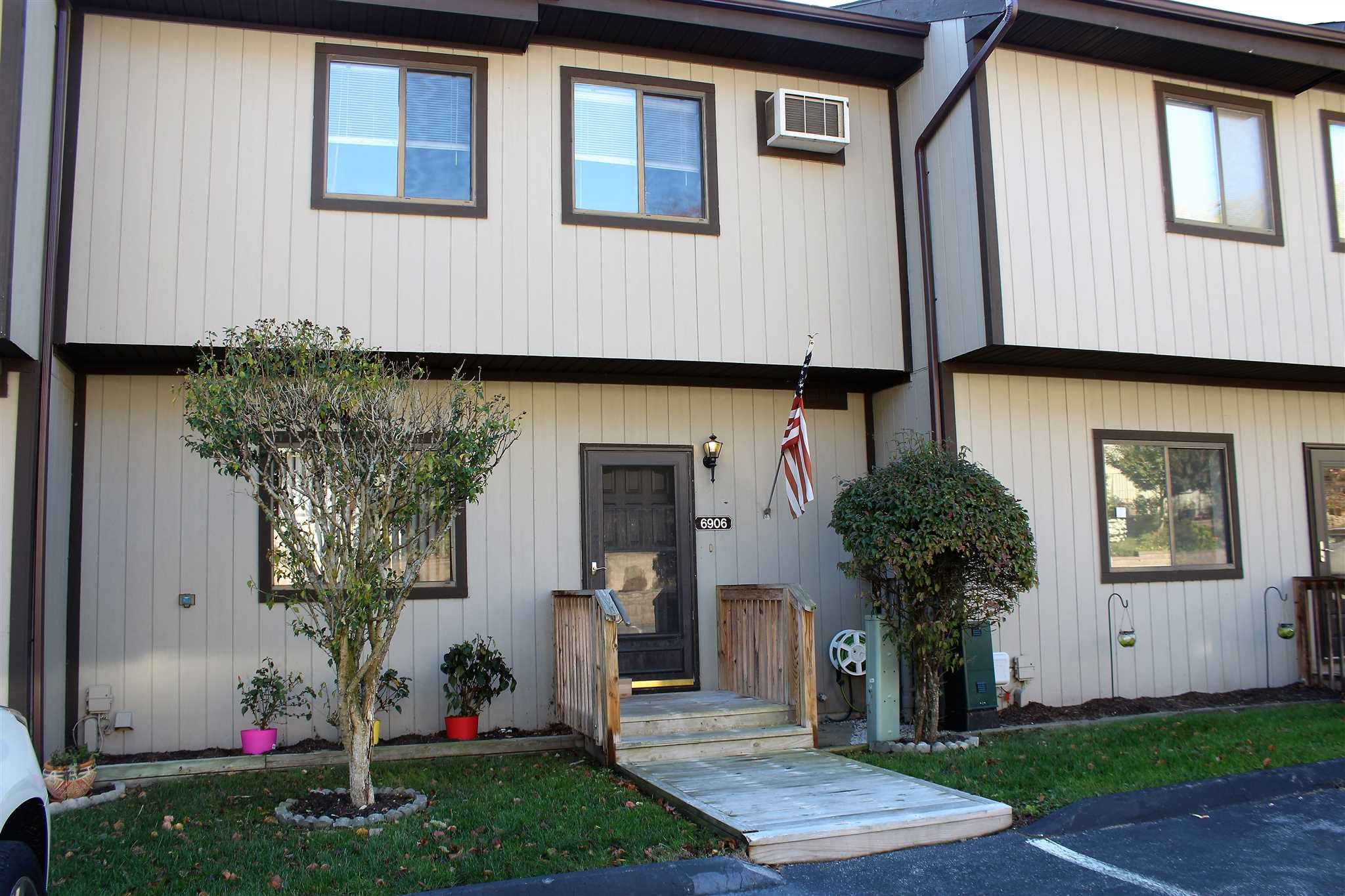Single Family Home for Sale at 6906 CHELSEA COVE NORTH 6906 CHELSEA COVE NORTH East Fishkill, New York 12533 United States
