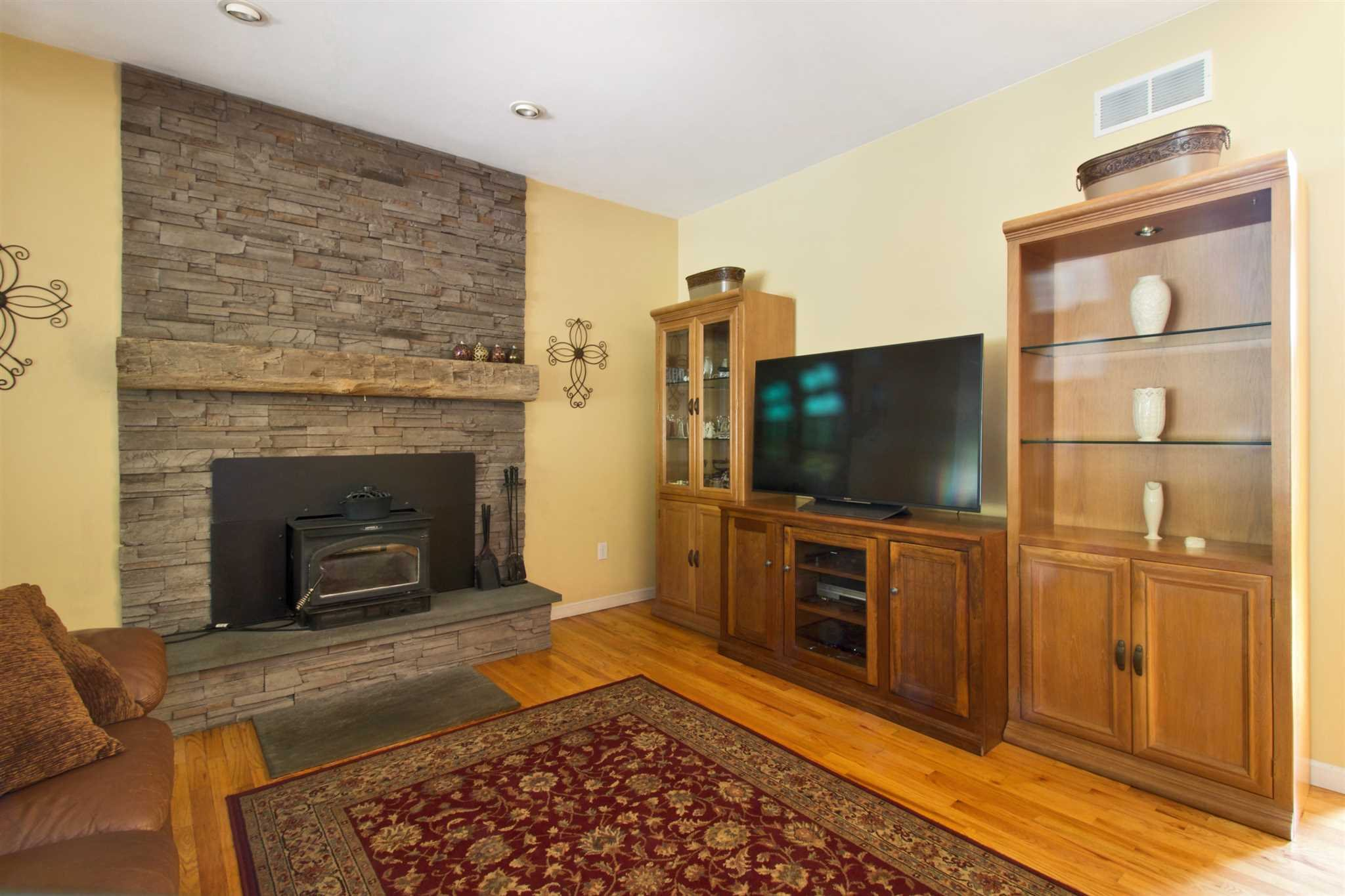 Additional photo for property listing at 55 GUINNESS 55 GUINNESS East Fishkill, New York 12533 United States