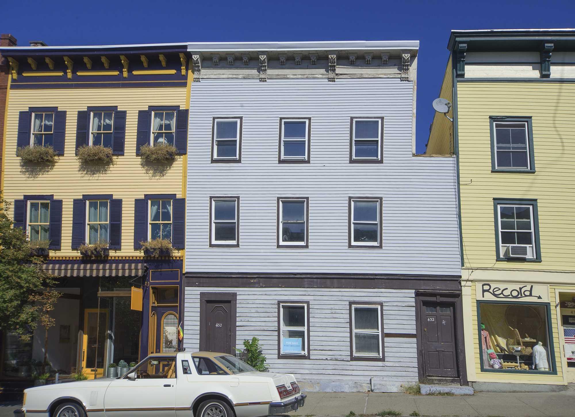 Single Family Home for Sale at 432 WARREN Street 432 WARREN Street Hudson, New York 12534 United States