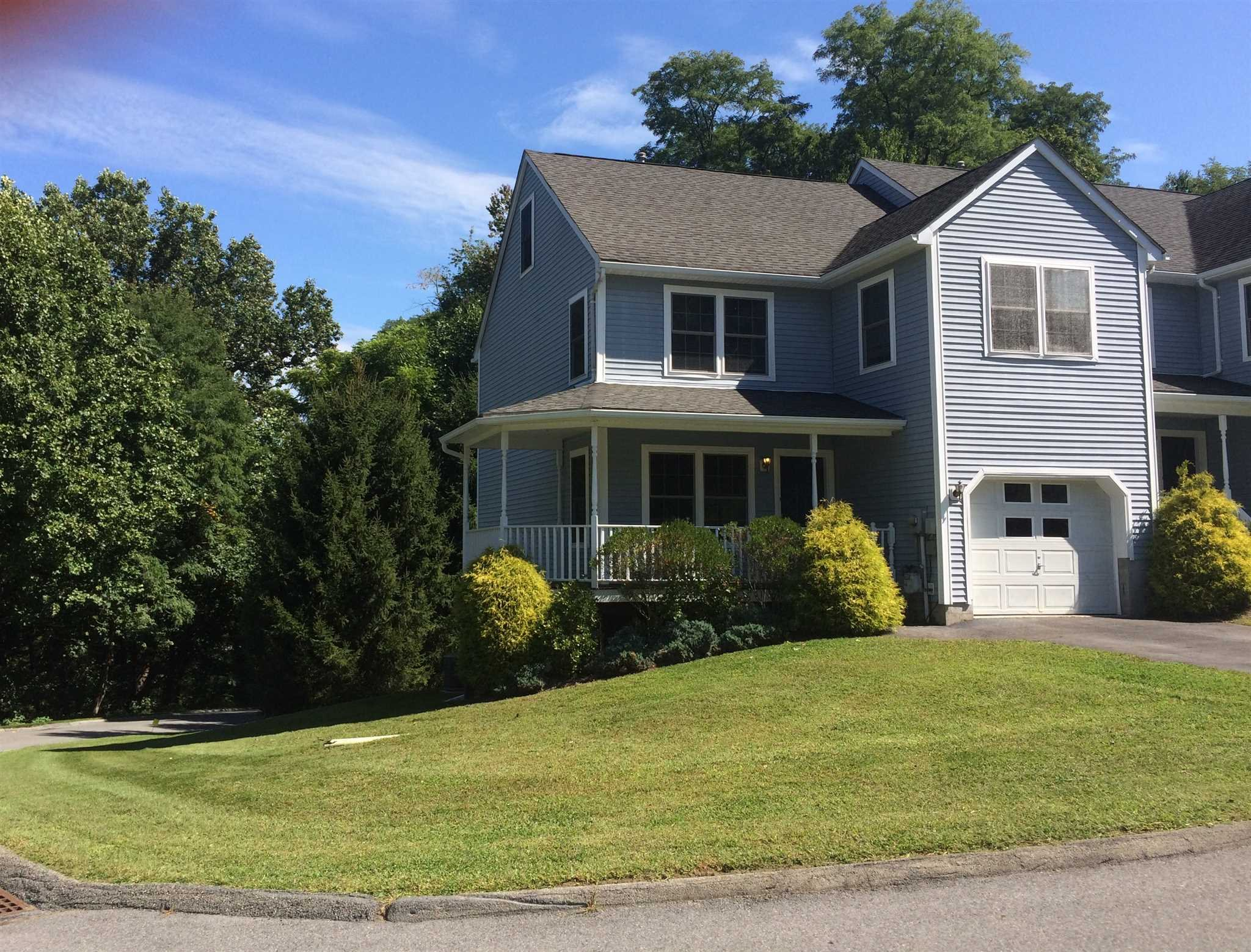 Single Family Home for Sale at 20 WINDSOR Court 20 WINDSOR Court Poughkeepsie, New York 12601 United States