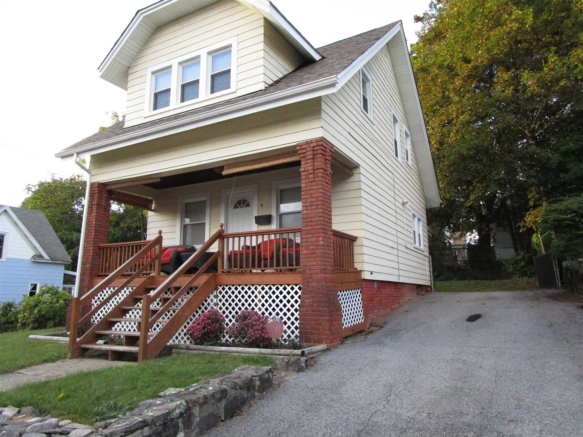 Single Family Home for Sale at 9 HINKLEY Place 9 HINKLEY Place Poughkeepsie, New York 12601 United States