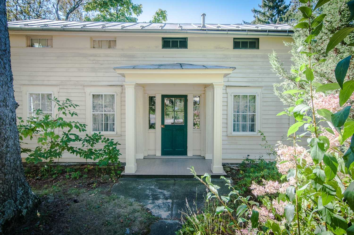 Single Family Home for Sale at 1077 RIVER Road 1077 RIVER Road Red Hook, New York 12507 United States