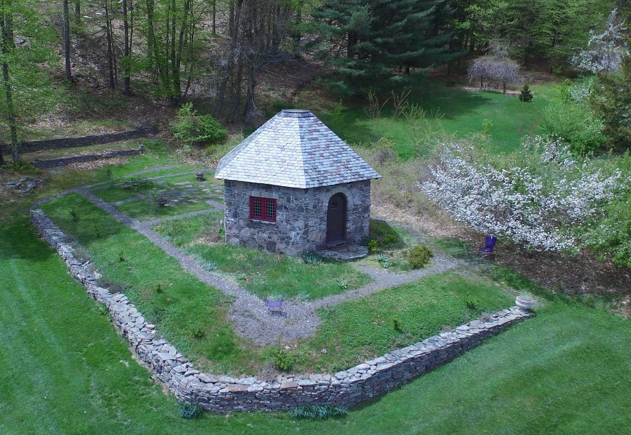 Additional photo for property listing at 416 PAINTER HILL ROAD 416 PAINTER HILL ROAD Spring Glen, New York 12483 United States