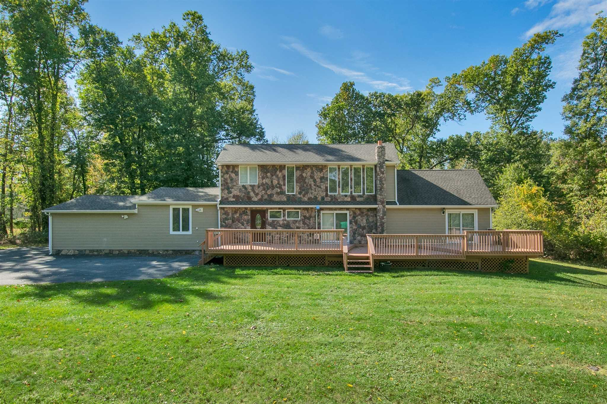 Single Family Home for Sale at 263 BAXTERTOWN Road 263 BAXTERTOWN Road Fishkill, New York 12524 United States