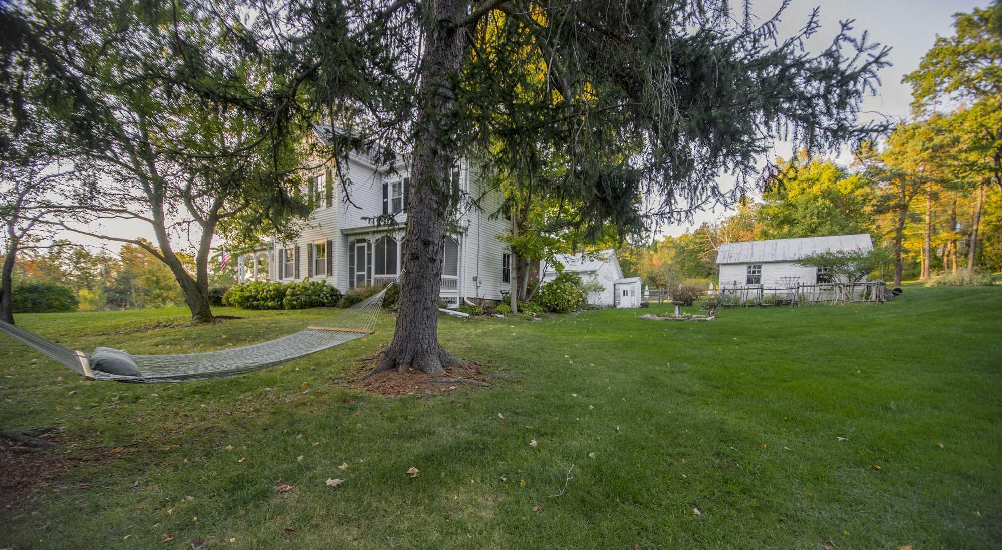 Single Family Home for Rent at 301 DEER HAVEN ROAD 301 DEER HAVEN ROAD Elizaville, New York 12523 United States
