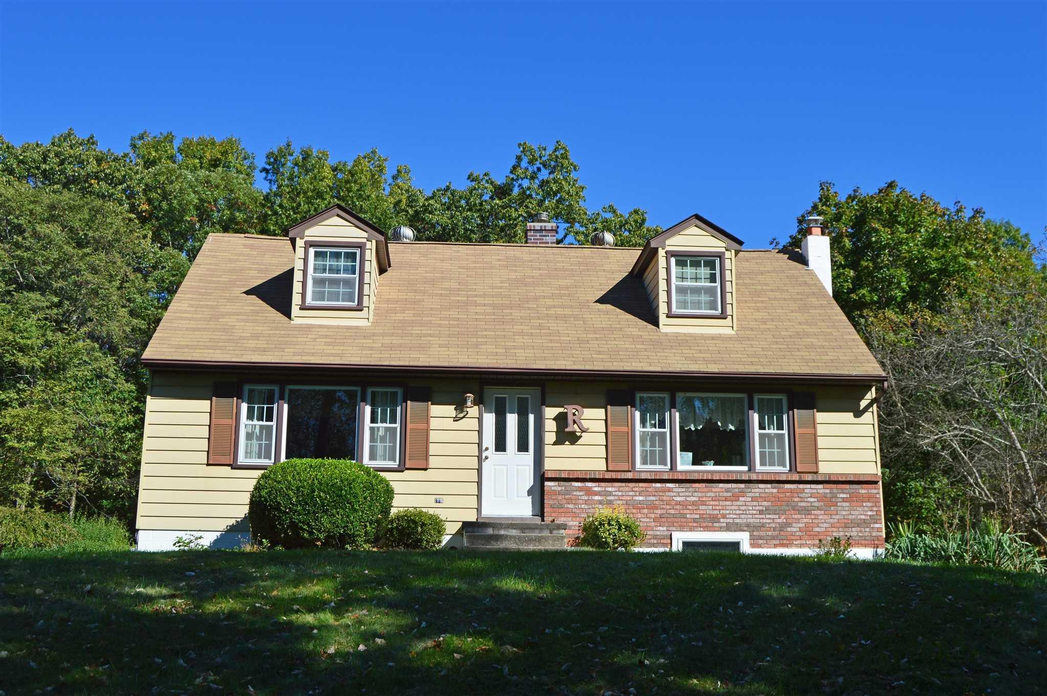 Single Family Home for Sale at 113 VICKI LANE 113 VICKI LANE East Fishkill, New York 12533 United States