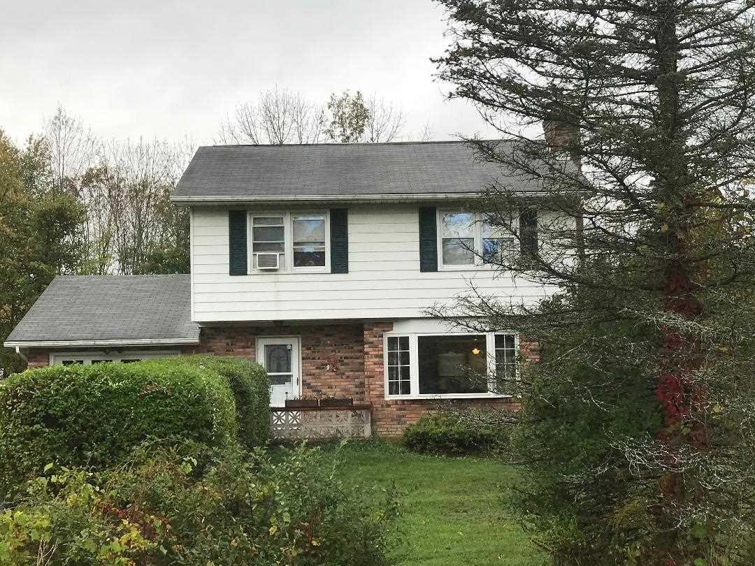 Single Family Home for Sale at 1 LAUREN 1 LAUREN Gardiner, New York 12525 United States