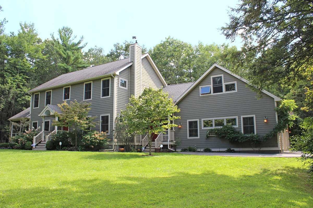 Single Family Home for Sale at 9 ESTATE ROAD 9 ESTATE ROAD Saugerties, New York 12477 United States