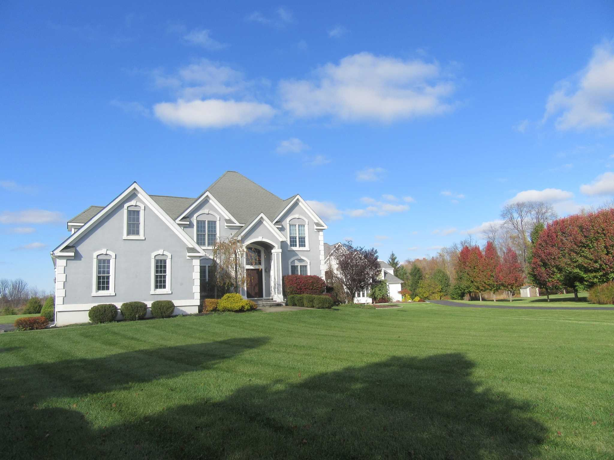 Single Family Home for Sale at 40 WINTER GREEN Place 40 WINTER GREEN Place East Fishkill, New York 12533 United States