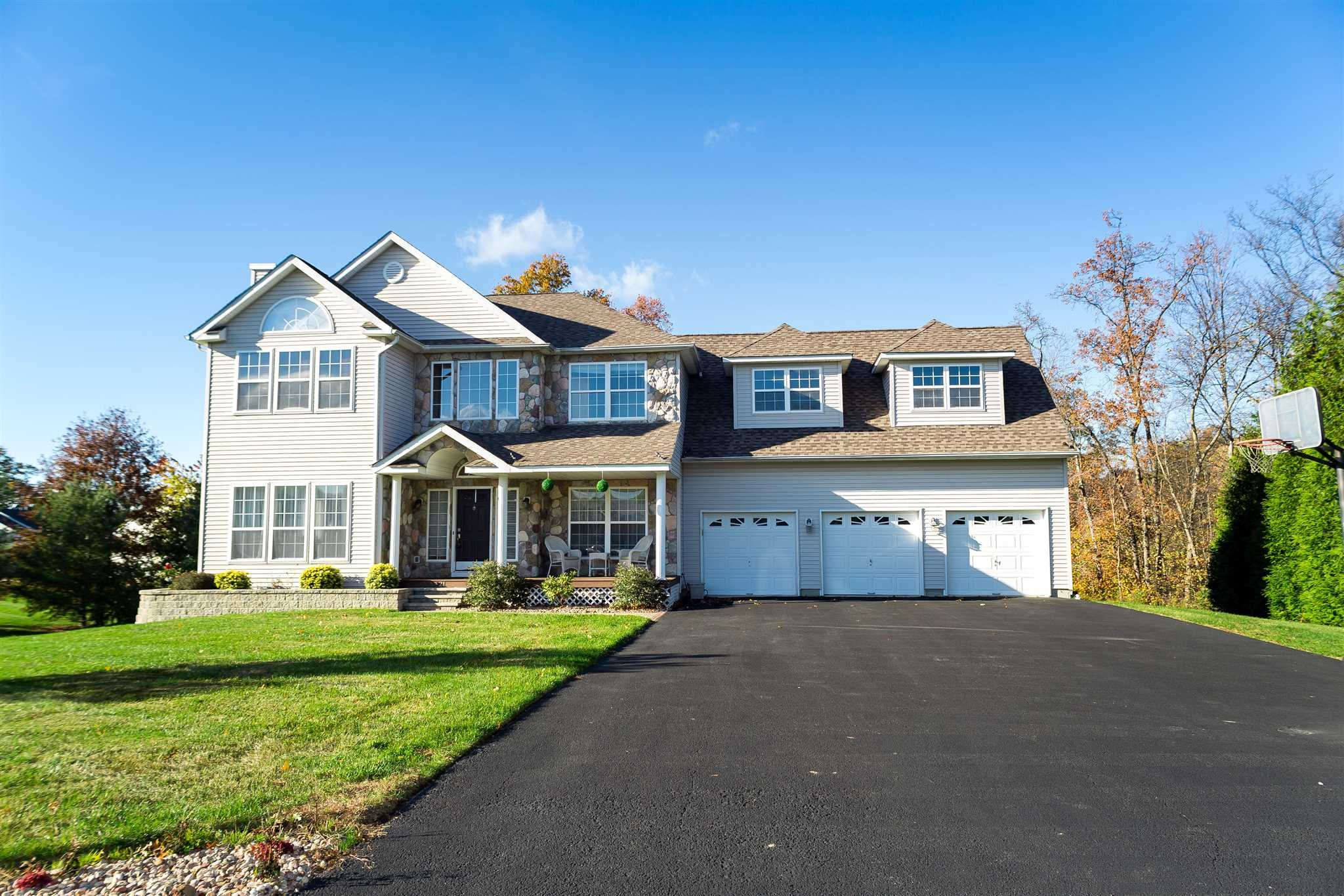 Single Family Home for Sale at 21 BARBERRY 21 BARBERRY Fishkill, New York 12590 United States